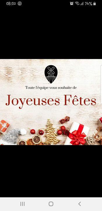 Joyeux Noël à tous et prenez soin de vous surtout, dépêchez vous les bûches partent comme des petits pains 😉 on est là j...